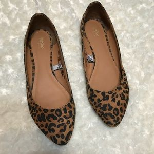 Mossimo Animal Print Pointed Toe Flat Size 7 studs